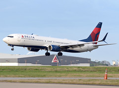 N838DN - 3/10/19 (nstampede002) Tags: delta deltaairlines boeing boeing737 boeing737900er boeing737900 b737 b737900er b737900 737 737900 737900er katl landing aviationphotography airliner commercialaviation