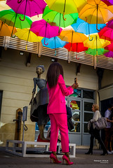 Street - Pink (François Escriva) Tags: street streetphotography paris france people candid olympus omd photo rue colors sidewalk umbrellas shade village royal bike blue red orange green purple passage yellow woman suit phone