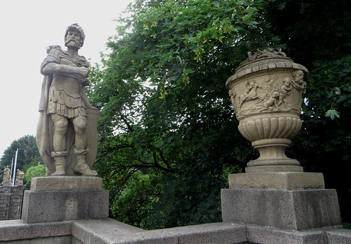 Statues et ornements baroques du Puppenbrücke, Lübeck, Schleswig-Holstein, Allemagne.