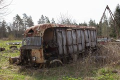 Mercedes Truck (mariburg) Tags: rotten marode forgotten ruin decay desolate derelict cars rustycars auto canoneos6d canonef1635mmf4lisusm mercedes