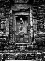 180728-050 Bakong (2018 Trip) (clamato39) Tags: bakong roluosgroup angkor cambodge cambodia asia asie temple religieux religion landmark patrimoine old ancient voyage trip blackandwhite bw noiretblanc monochrome