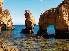 P1020302_DxO (orciel95) Tags: lagos algarve portugal océan mer sea eau water falaise rocher stone colors green blue vert bleue