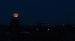 Full Moon rising 22 Dec 2018 (Sculptor Lil) Tags: moonrise fullmoon moon london canon700d