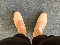 Project 365/Day 26: Ballet Class (Photo Geek Girl) Tags: project365 balletslippers ballet