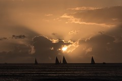 Sunset 2-9-2019 (Fletch in HI) Tags: nikon d5600 tamron 16300 sunset clouds water waikiki honolulu hawaii oahu ocean boats sky