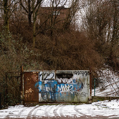 Huckarder Straße (jpk.) Tags: 2019 canoneos5dmarkiv dortmund februar radtour unterwegs ©janphilipkopka huckarderstrase 122 zufahrt tor schnee