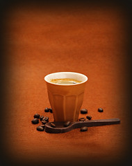 2019 Smile on Saturday: Shades of Brown (dominotic) Tags: 2019 smileonsaturday shadesofbrown food coffee chocolate brownespressocup chocolatespoon coffeebeans brown foodphotography coffeeobsession yᑌᗰᗰy sydney australia