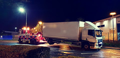 2018-12-18 18.29.12 (JAMES2039) Tags: volvo fm12 ca02tow fh13 globetrotter pn09juc pn09 juc tow towtruck truck lorry wrecker rcv heavy underlift heavyunderlift 8wheeler 6wheeler 4wheeler frontsuspend rear rearsuspend daf lf cf xf 45 55 75 85 95 105 tanker tipper grab artic box body boxbody tractorunit trailer curtain curtainsider tautliner isuzu nqr s29tow lf55tow flatbed hiab accidentunit iveco mediumunderlift au58acj ford f450 renault premium trange cardiff rescue breakdown night ask askrecovery recovery scania 94d w593rsc bn11erv sla superlowapproach demountable