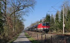 Licht und Schatten (Klaus Z.) Tags: eisenbahn kbs 390 wehnen br 1144 güterzug autozug altmann öbb winter