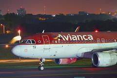 PR-ONS - Airbus A320-214 - Avianca (2) (RafaelBateraSSA) Tags: ssa sbsv salvador night boeing airbus nikon sideral avianca jordan tap copa airlines gulfstream g450 737f a320 767 a330 planes spotter