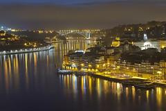 Ombra nera / Black shadow (Porto, Portugal) (AndreaPucci) Tags: porto portugal wine ribeira duoro night andreapucci