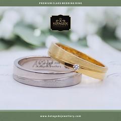 100+ Gambar Cincin Tunangan Emas Kuning HD Paling Baru