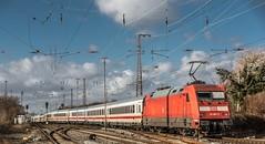 22_2019_02_09_Recklinghausen_Ost_6101_067_schiebt_IC ➡️ Recklinghausen_Süd6101_067_schiebt_IC ➡️ Recklinghausen_Süd (ruhrpott.sprinter) Tags: ruhrpott sprinter deutschland germany allmangne nrw ruhrgebiet gelsenkirchen lokomotive locomotives eisenbahn railroad rail zug train reisezug passenger güter cargo freight fret recklinghausen recklinghausenost db dispo eloc erd vps 6101 6185 6186 6193 9121 9125 es 64 f4 es64f4 mrcedispo ic lte militärzug siemens traxx vectron outdoor logo natur graffiti
