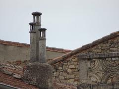 Cordes-sur-ciel (visol) Tags: cheminees chimenys chimeneas chamine xemeneies camino tximinia tejados teulat teulas tejas chimney barbacana france francia cordes