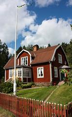 IMG_2666-1 (Andre56154) Tags: schweden sverige haus house gebäude building holzhaus himmel sky wolke cloud garten garden katthult sweden