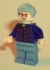 Hello George (OB1 KnoB) Tags: lego george lucas