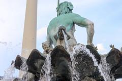 Berlín_0658 (Joanbrebo) Tags: neptunbrunnen mitte berlin de deutschland font fountain fontaine fuente canoneos80d eosd autofocus