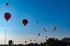 Sky Full! (subrec) Tags: hotairballons lakeland florida hot air balloons sunnfun sun n fun international flyin expo colorfulskies colorfulsky colorful color tampabay tampabayarea tampa orlando airshow pentaxk50 pentax pentaxart bluesky remax