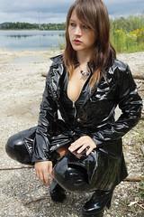 Femme fatale in shiny black (sexyrainwear_dot_online) Tags: vinyl pvc latex leather lack leder boots overkneeboots overknees lackundleder lackleder lackmantel vinylcoat vinyljacket vinylskirt pvcskirt lackjacke lackstiefel
