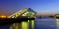 Festplattenfund Dockland Hamburg (petra.foto busy busy busy) Tags: dockland bürogebäude hafen hamburg germany architektur langzeitbelichtung nachtaufnahme spiegelung reflexion fotopetra 5dmarkiii blauestunde