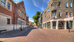 Heul, Alkmaar. (Alex-de-Haas) Tags: oogvoornoordholland 11mm alkmaar blackstone d850 dutch europa europe european hdr holland irix irix11mm irixblackstone lightroom nederland nederlands netherlands nikon nikond850 noordholland photomatix photomatixpro westfrisia westfriesland westfries architecture architectuur building buildings center centrum city cityscape gebouw gebouwen innercity stad straat street summer town urban zomer northholland nl