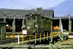 Class 1045 Locomotive (en tee gee) Tags: austria obb roundhouse catenary wires electriclocomotive