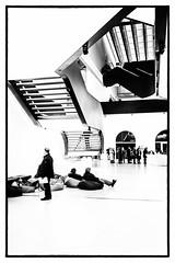 Maxxi - Roma (Maurizio Tattoni....) Tags: italy lazio roma maxxi museo persone scala bn bw blackandwhite biancoenero cultura monocrome leica 35mm mauriziotattoni