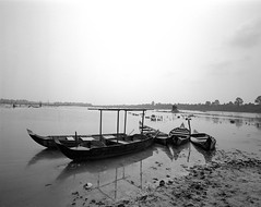 1126 (The Dent.) Tags: cambodia siem reap mamiya 7ii tmy2 hc110 dilution b 6 min