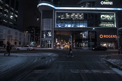(A Great Capture) Tags: agreatcapture agc wwwagreatcapturecom adjm ash2276 ashleylduffus ald mobilejay jamesmitchell toronto on ontario canada canadian photographer northamerica torontoexplore fall autumn automne herbst autunno otoño 2017 efs1018mm 10mm wideangle city downtown lights urban night dark nighttime cold snow weather cityscape urbanscape eos digital dslr lens canon rebel t5i skyline towers tower buildings structure outdoor outdoors outside streetphotography streetscape photography streetphoto street calle neige schnee victoriastreet citytv dundas