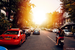 Sunset in Bangkok (spootnik_) Tags: canon eos photo potd travel traveling travelphotography bangkok urban urbanforest travelthailand thailandlovers thai sun sunset asia asien outside traffic street streetphotography