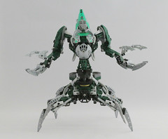Nidhiki (Ron Folkers) Tags: lego bionicle moc technic green fallen toa dark silver gery claws four legs nidhiki