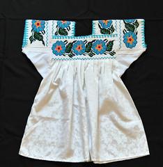 Nahua Blouse Ahuacatlan Puebla Mexico Textiles (Teyacapan) Tags: flowers embroidery blusa nahua mexicana textiles puebla ahuacatlan blouses ropa clothing