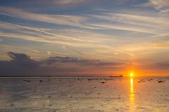 Westerschelde bij Waarde (Omroep Zeeland) Tags: westerschelde waarde wolkenlucht scheepvaart zonsondergang