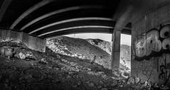 Bajo la autovia (David J. Quintero) Tags: altocontraste bn urban