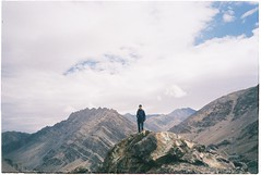 (grousespouse) Tags: ladakh 35mm analog film canonautoboyii sureshot af35m autoboy analogue landscape himalayas kashmir india majestic dramatic scenery mountains sky colorfilm grain light scanned argentique kodakcolorplus200 nature croplab grousespouse 2018