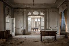 (Alexandre Katuszynski) Tags: urbex urbanexploration ue urbexfrance abandonedcastle abandonedpiano piano derelict decay luoghiabbandonati verlassen forgotten