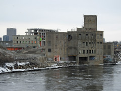 The former Booth Board Mill (1912) in Ottawa, Ontario (Ullysses) Tags: jrbooth boothboardmill zibidevelopment ottawa ontario canada spring printemps mill moulin ottawariver papermill cardboardmill sulphitemill rivièredesoutaouais lumber ottawahistory