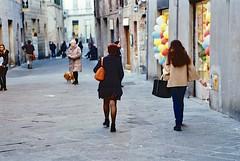 Momenti a Siena (michele.palombi) Tags: siena angoli film 35mm analogic kodak ultramax 400asa tuscany negativo colore