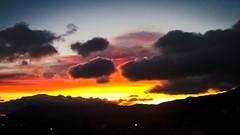 """Contraste... PSP**"""""""" (Isabelle****) Tags: céret pyrénéesorientales france ciel sky couleurs colors nuages clouds soleil sun montagnes mountains"""