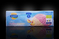 Helado Conaprole Light - Frutilla y Durazno (Alvimann) Tags: alvimann lightfrutillaydurazno frutillaydurazno light frutilla frutillas duraznos durazno strawberry strawberryes peach peaches heladosconaprole helados conaprole helado cooperativanacionaldeproductoresdeleche cooperativa nacional productores leche icecream frio cold food comida sweet dulce azucar sugar uruguay uruguayo uruguayan montevideouruguay montevideo fotografia producto fotografiadeproducto productphotography product photography photo foto marca marketing brand branding packaging package empaque empaques diseño design industry industrial industria