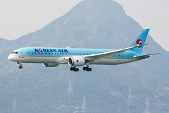 KOREAN AIR B787-9 DREAMLINER HL7206 001 (A.S. Kevin N.V.M.M. Chung) Tags: aviation aircraft aeroplane airport airlines plane spotting hkg landing approach boeing b787 dreamliner b7879