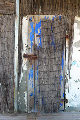 Doors of Marseille No. 8 (TablinumCarlson) Tags: europa europe frankreich france marseille sud südfrankreich bouchesdurhône provencealpescôte d'azur provence côte golfe du lion mittelmeers méditerranée mediterranean mittelmeer leica composition lido beach playa dlux 6 endoume tür door entry beachbar bar restaurant cafe eingang blau blue rattan stroh gras alt old rusty textures