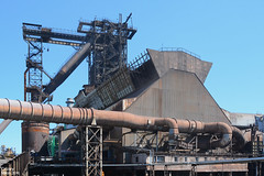 Huta im. T. Sendzimira (obecnie ArcelorMittal Poland Oddział Kraków) - Wielkie Piece, wielki piec nr 5. / Tadeusz Sendzimir Iron&Steel Works (currently ArcelorMittal Poland Unit in Kraków) - Blast Furnaces, blast furnace No.5. (Cezary Miłoś Przemysł w fakcie i obrazie) Tags: cezarymiłoś cezarymiłośfotografiaprzemysłowa cezarymiłośfotografiaindustrialna cezarymilosindustrialphotography cezarymilos 2016 arcelormittal arcelormittalpoland architekturaprzemysłowa arcelormittalpolandoddziałkraków altohorno blastfurnace cracow kraków kulturaprzemysłowa wielkipiec konstrukcjanadgardzielowa hutnictwo hütte hutaimtsendzimira hutasendzimira hts heavyindustry hochofen hutalenina hutaimlenina huta kombinat casthouse vysokápec industry industrial industrie industrialarchitecture industriallandscape ironworks ironsteelworks odpylaniehalilejniczej poland polska polen przemysłciężki przemysłmineralny przemysłmetalurgiczny piec przemysłhutniczy małopolska małopolskie metalurgia metallurgy metalurgiaekstrakcyjna lesserpoland hutasurowcowa tadeuszsendzimirironsteelworks tadeuszsendzimirsteelworks tadeuszsendzimir nowahuta металлургическийзавод polskiehutystali