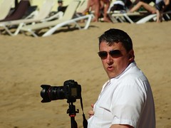 Looking Overjoyed (knightbefore_99) Tags: pacific pale playa people plage beach mexico art mexican oaxaca tropical huatulco dumb camera photographer joy pout canon