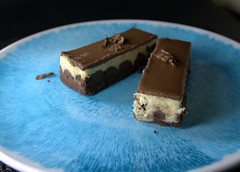 Chocolate & Vanilla Cheesecake (Tony Worrall) Tags: add tag ©2019tonyworrall images photos photograff things uk england food foodie grub eat eaten taste tasty cook cooked iatethis foodporn foodpictures picturesoffood dish dishes menu plate plated made ingrediants nice flavour foodophile x yummy make tasted meal nutritional freshtaste foodstuff cuisine nourishment nutriments provisions ration refreshment store sustenance fare foodstuffs meals snacks bites chow cookery diet eatable fodder ilobsterit instagram forsale sell buy cost stock chocolate vanilla cheesecake sweet sugar