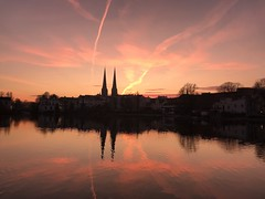 colourful pond (paddy_bb) Tags: sky sunset deutschland paddybb cityscape 2019 schleswigholstein germany water luebeck