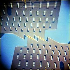 [La Mia Città] M-89 Hotel (Urca) Tags: holgalomo201810240003 milano italia 2018 holga lomo doppiaesposizione doubleexposure analog analogico 120 6x6 square medium multi film filmisnotdead toycamera viamecenate m89hotel