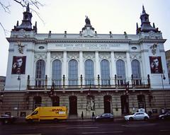 """Berlin Theater Des Westens """"Tanz der Vampire"""" 2.2.2019 (rieblinga) Tags: berlin city west theater des westens tanz der vampire kantstrase gebäude analog rollei 6008 fuji rdp ii diafilm e6 222019"""