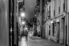 Noche clara (ccc.39) Tags: asturias oviedo noche nocturna calle ciudad blancoynero byn monocromo night blackandwhite bw city street urban oldtown monocrhome