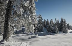 Der Harz - Winterlandschaft (2) (Pana53) Tags: photographedbypana53 pana53 winterlandschaft winterlandscape nationalparkharz brocken gebirge hsb naturundlandschaftsfotografie naturschutzgebiet schnee landscape jahreszeit winter bäume frost nikon nikond810 baum himmel tree sky berg hill